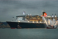 QM2 Downriver - NYC 2004 - 329